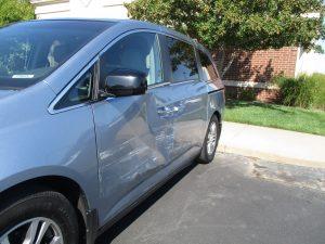Honda Odyssy with damage